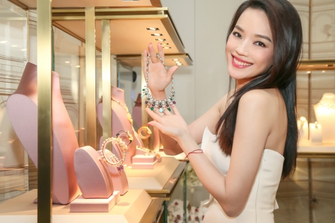 10_Shu Qi at BVLGARI Magnificent Inspirations High Jewelry Exhibition.jpg