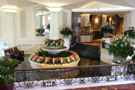 The inviting lobby area of Dusit Thani Bangkok