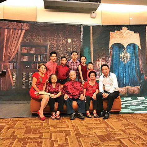 Teoh Han Chuan & Family.jpg
