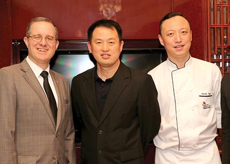 Frank Sanders, Ch_ng & Steven Yang