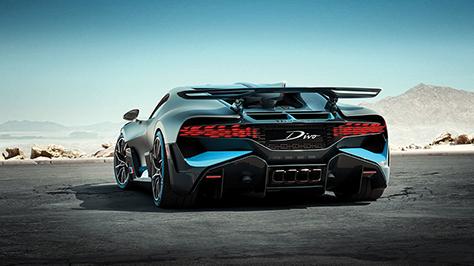 2018-Bugatti-Divo-19