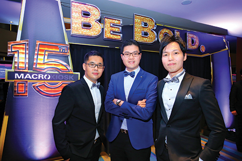 Dato' Henry Goh with brothers and co-founders of MACROKIOSK Dato' Kenny Goh (left) and CS Goh (right)_edit